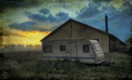 henrik sundholm trailer sunset