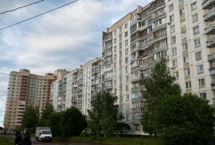 10/10 So genannte Mikro-Viertel wurden zur Zeit Stalins erbaut, um Wohnfläche für Arbeiter und ihre Familien zu schaffen. Die meisten dieser Gebäude stehen auch heute noch, und werden durch Neubauten im gleichen Stil ergänzt.